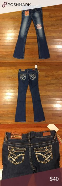 💜Brand new Jeans Size 1💜 NWT. Amethyst brand jeans. Regular Mid-Rise. Great jeans. I have too many. Need to sell what I can. Willing to negotiate price if needed. Thanks in advance.*Please offer, if you don't like the price, always open to them🙂* Amethyst Jeans Boot Cut