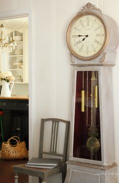 FRENCH COUNTRY COTTAGE: Chalk-finish paint clock DIY