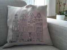 Cushion, machine embroidery. My love of Amsterdam and machine embroidery combined. Hopefully I will find the time to make another one.