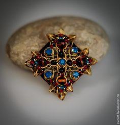 Купить Балтийская Осень - бордовый, бежевый, Янтарный, бирюзовый, красный, золотой, мальтийский крест
