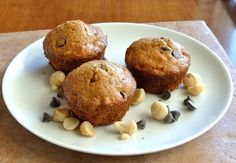 Macadamia Chocolate Chip Muffins ~ http://veganinthefreezer.com