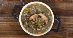 Rich champignon soup with barley Recepty. Mushroom Barley Soup, Mushroom Soup Recipes, Vegetable Seasoning, Best Dishes, Main Dishes, Simply Recipes, How To Cook Chicken, Cooked Chicken, Healthy Soup