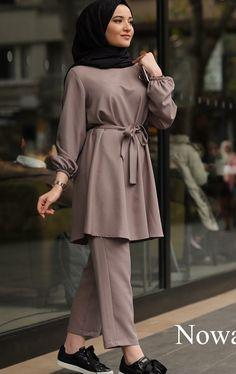 Modest Fashion Hijab, Pakistani Fashion Casual, Modern Hijab Fashion, Modesty Fashion, Street Hijab Fashion, Casual Hijab Outfit, Hijab Fashion Inspiration, Islamic Fashion, Hijab Chic
