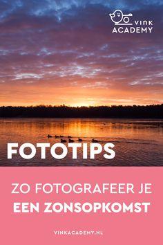 14 tips voor het fotograferen van een zonsopkomst (of zonsondergang). Leer hoe je de mooie kleuren in de lucht vastlegt en je mooie landschapsfoto's maakt. Ook bij reisfotografie is het de moeite waard om vroeg op te staan om de zonsopkomst te fotograferen. In het artikel handige tips (in het Nederlands) over waar je rekening mee moet houden, zoals camera-instellingen van je Nikon of Canon maar ook compositietips.