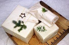 Vánočně balený obsah balíčku od Máslenka.cz Gift Wrapping, Gifts, Gift Wrapping Paper, Presents, Wrapping Gifts, Favors, Gift Packaging, Gift