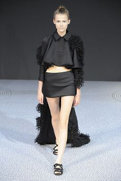 Viktor & Rolf Couture Fall/Winter 2013-2014 Collection  #couturefashion #black #blackdresses