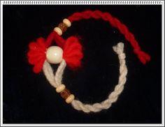 Baba Marta, Rakhi Design, Yarn Dolls, Pressed Flower Art, Fabric Purses, Felt Art, Jewelry Patterns, Yarn Crafts, Design Crafts