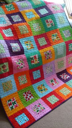 Best 11 Baby quilt tutorial – perfect for using charm squares. Learn a new quilting skill – how to sew together patchwork squares on – SkillOfKing. Patchwork Quilting, Scrap Quilt Patterns, Scrappy Quilts, Easy Quilts, Small Quilts, Crazy Quilting, Jellyroll Quilts, Owl Quilts, Bright Quilts