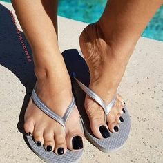 high heels – High Heels Daily Heels, stilettos and women's Shoes Nice Toes, Pretty Toes, Stunning Girls, Beautiful Toes, Feet Soles, Women's Feet, Hot Heels, High Heels Stilettos, Girls Flip Flops