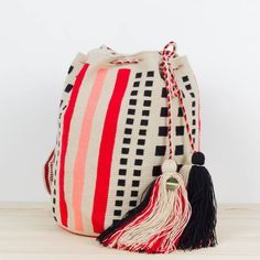 CAP FERRET Tapestry Bag, Tapestry Crochet, Boho Bags, Ferret, Bucket Bag, Textiles, Diy Crafts, Embroidery, Knitting
