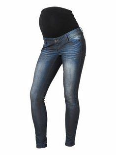 Maternity slim fit jeans from MAMALICIOUS. #mamalicious #jeans #denim #maternity #fashion