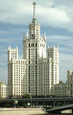 Stalin's 'Seven Sisters', Apartment building in Kotelniky, architect Chechulin
