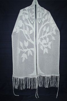 Your place to buy and sell all things handmade Tallit Prayer Shawl Tree of Life / Crochet Tallit Style Crochet Tree, Hand Crochet, Crochet Prayer Shawls, Jewish Crafts, Filet Crochet Charts, Sweater Set, Easy Crochet Patterns, Modest Fashion, Chuppah