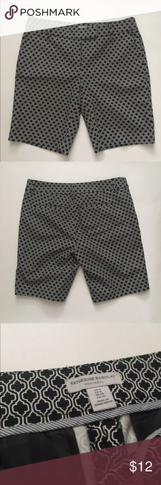 """Katherine Barclay stretch cotton shorts Black and white geometric print, inseam is 9"""", waist is 16"""". Front slant pockets and rear slit pockets. Cotton/spandex. EUC. Katherine Barclay Shorts"""