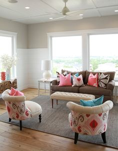 Brown couch in a nice airy living room. House of Turquoise: Four Chairs Furniture Cadence Homes - Day 2 Living Room Accents, Living Room Color Schemes, Living Room Colors, Home Living Room, Living Room Designs, Living Room Decor, Bedroom Decor, House Of Turquoise, Home Decor Furniture