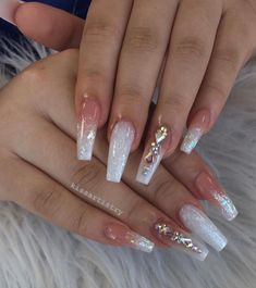 On average, the finger nails grow from 3 to millimeters per month. If it is difficult to change their growth rate, however, it is possible to cheat on their appearance and length through false nails. Summer Acrylic Nails, Best Acrylic Nails, Acrylic Nail Designs, Acrylic Nails With Design, Summer Nails, Aycrlic Nails, Swag Nails, Coffin Nails, Pink Coffin