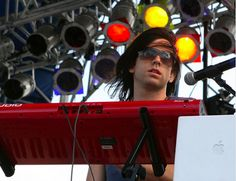 """""""The Kinected"""" Live @ Sunfest 2011!"""