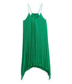 #VESTIDO #PLISADO #ASIMETRICO @Hollie Baker&M 19.95€ #moda #tendencia #primavera #verano #estilo #verde