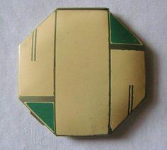 Octagonal Art Deco compact www.compactcollectors.co.uk