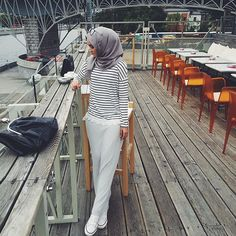 hijab and islam-bild Modern Hijab Fashion, Street Hijab Fashion, Islamic Fashion, Muslim Fashion, Modest Fashion, Unique Fashion, Hijab Gown, Hijab Outfit, Eid Outfits