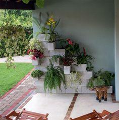 Dois jardins verticais com ideias simples e fáceis de copiar. Fotos publicadas na revista MINHA CASA.