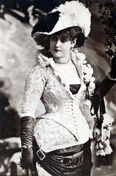 Lillian Russell - c. 1890 - American actress and singer. She became one of the most famous actresses and singers of the late 19th and early 20th centuries, known for her beauty and style, as well as for her voice and stage presence - @~Mlle