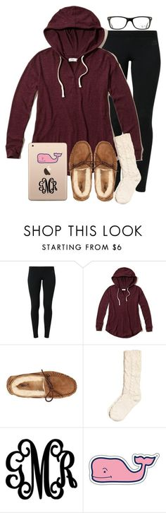 """""""oorn ❤️"""" by madelyn-abigail ❤ liked on Polyvore featuring NIKE, Hollister Co., UGG Australia, Vineyard Vines, Ray-Ban, women's clothing, women's fashion, women, female and woman"""