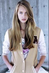 "Yulia Rose Height: 5'9"" (176cm) Bust: 32.5"" (82cm) Waist: 23.5"" (60cm) Hips: 33.5"" (85cm) Shoes: 39 / 7.5 Hair: Blonde Eyes: Blue Agencies: Monster Mgmt (Milan) Premier Model Management (London) Wizard Models (Tokyo, Japan) .jpg"