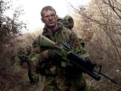 Brigade reconnaissance troop of a british army unit. British Royal Marines, British Armed Forces, British Army, Military Camouflage, Military Police, Military Weapons, Marine Commandos, Special Air Service, Military Special Forces