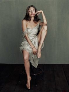 Angelina Jolie Photoshoot by Yariv Milchan Angelina Jolie Fotos, Angelina Jolie Photoshoot, Angelina Jolie Movies, Angelina Jolie Pictures, Angelina Jolie Style, Glamour, Beautiful Celebrities, Beautiful People, Poses Photo