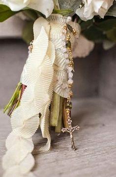 Fabric wrapped bouquet: #bouquet #wrap: www.aarondelesie.com