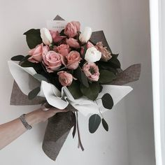 More inspiration: ☼♥ How To Wrap Flowers, Bunch Of Flowers, Fresh Flowers, Beautiful Flowers, Hand Bouquet, Flower Aesthetic, Flower Boxes, Floral Bouquets, Flower Designs