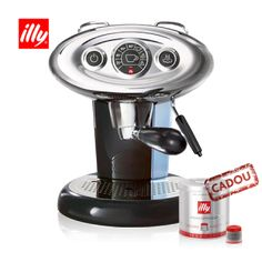 See the differences between pod and classic espresso machines. Compare Illy vs Nespresso vs Espresso to reveal the best solution for convenience, price & taste. Machine A Cafe Expresso, Espresso Machine Reviews, Espresso Coffee Machine, Coffee Maker, Coffee Cups, Latte Maker, Coffee Creamer, Coffee Drinks, Coffee Tables