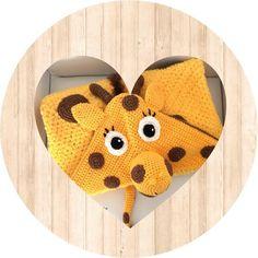 Handgemachtes Baby, Baby Kind, Mom And Baby, Child Baby, Newborn Baby Gifts, Baby Girl Gifts, Giraffe Blanket, Crochet Baby Poncho, Handmade Baby Clothes