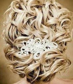 Bride's gorgeous loose blonde curls chignon bridal hair ideas Toni Kami Wedding Hairstyles ♥ ❶ Beautiful wedding hairstyle Wedding Hairstyles For Long Hair, Wedding Hair And Makeup, Up Hairstyles, Pretty Hairstyles, Hair Makeup, Bridal Hairstyles, Hairstyle Ideas, Bride Makeup, Vintage Hairstyles