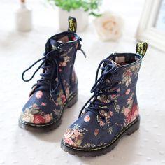 9b01b889 Bota para niña Zapatos Con Ruedas, Tacos Zapatos, Zapatos Para Niñas, Botas  De