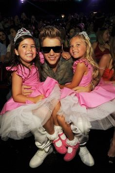 Another picture of Justin with Sophia Grace and Rosie! : BiebsOffcial