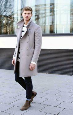 FASHIIONCARPET.COM men style, street style men, grey coat, wollmantel, chelsea boots, suede boots, men style, doppelreiher mantel grau