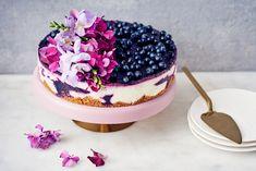 Mustikkajuustokakku Cute Desserts, Wedding Desserts, Starbucks Recipes, Cheesecake Cake, Catering Food, Fancy Cakes, Sweet Cakes, Desert Recipes, Yummy Cakes