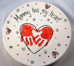 "heart handprint mothers day platter    ""Mommy has my heart"". Of course, ""grandma has my heart"" would also be quite appropriate for this incredibly easy platter, you can make at any contemporary ceramics studio!, or on paperplate for younger kids"