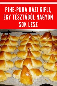 Egy tésztából nagyon sok lesz! #kifli #tészta Healthy Drinks, Healthy Recipes, Healthy Meals, Cake Recipes, Dessert Recipes, Crescent Rolls, Ciabatta, Food And Drink, Cooking Recipes
