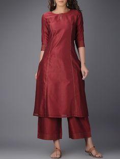 New Image : Salwar designs Dress Neck Designs, Stylish Dress Designs, Neck Designs For Suits, Designs For Dresses, Stylish Dresses, Silk Kurti Designs, Salwar Designs, Kurta Designs Women, Kurti Designs Party Wear