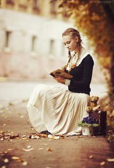 Retro reader...she reminds me of Primrose Everdeen