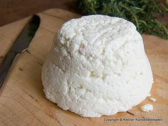 Ricotta, also eigentlich Panir How To Make Cheese, Food To Make, Homemade Butter, Warm Food, Slow Food, Cold Meals, Milk Recipes, Diy Food, Food Ideas