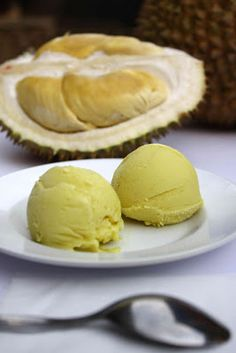 durian ice cream 1 litre coconut cream 1/2 tsp salt (optional) 1 pandan leaf, cut into a few pieces 150 g sugar 1 tbsp cornstarch, diluted with 3 tbsp water 200 grams durian flesh - See more at: http://www.yearofthedurian.com/2013/03/recipe-durian-ice-cream.html#more