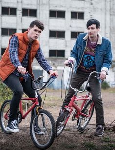 If Dan and Phil were in Stranger Things. I've just created a thing haven't I? <<< Phil can be Dan can be Mike Phil Lester, A Thousand Years, Youtube Rewind, Phan Is Real, Dan And Phill, Phil 3, Danisnotonfire And Amazingphil, Pokemon, Cat Whiskers