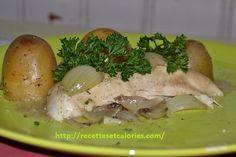La pomme de terre fait-elle maigrir ? Non ! Cette recette de pommes de terre en robe des champs et poulet citronné ne contient que 360 calories par portion. Portion, Calories, Champs, Chicken, Apples, Easy Cooking, Dress, Cubs