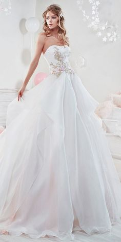 Beautiful And Romantic Nicole Spose Wedding Dresses 2018 ❤ ball gown with semi sweetheart and flowers nicole spose wedding dresses Full gallery: https://weddingdressesguide.com/nicole-spose-wedding-dresses/