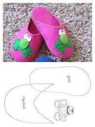 Resultado de imagen de patrones de zapatos para la American Girl Doll hechos con fieltro
