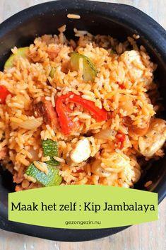 Kip Jambalaya ken je wellicht wel van het bekende pakje van de wereldgerechten. Maak het lekker zelf. Veel lekkerder, logisch want het is verser. - GezondGezin.nu #kipjambalaya South African Recipes, Ethnic Recipes, Pasta, How To Cook Rice, Indonesian Food, Camping Meals, Curry, Food And Drink, Healthy Recipes
